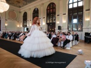 Glööckler Brautmode